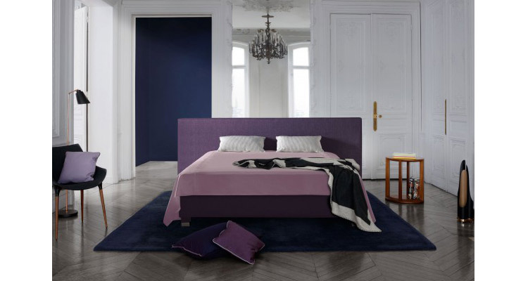 treca interiors paris luxe bedden en matrassen dealer. Black Bedroom Furniture Sets. Home Design Ideas